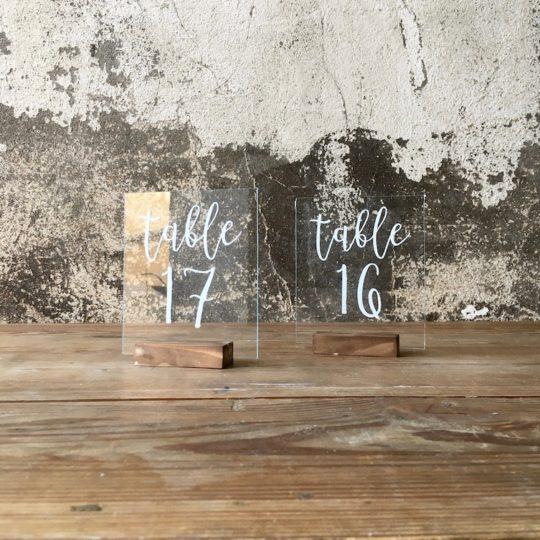 Numéro de table plexi blanc