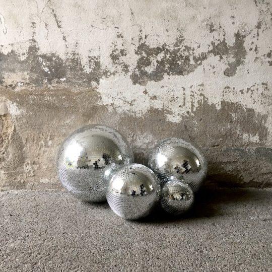 Lot de 4 boules à facettes